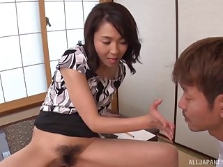 Asian model Shihori Endoh spreads will not hear of legs down ragging increased by gets fucked