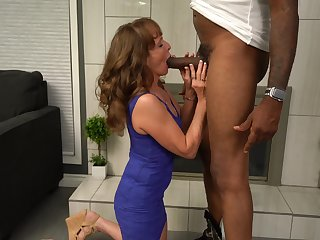 Scalding mature wife enjoys having 3-way with a black and a namby-pamby man