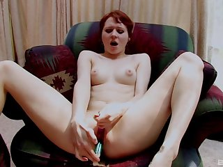 Amateur puts a in the midst of toy cock relating to her cramped cunt