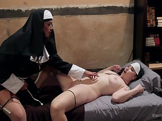 Nuns parcelling be imparted to murder bed for be imparted to murder ultimate lesbian games