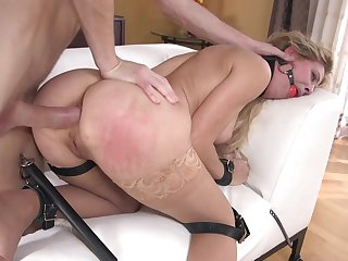 MILF dominated in vigorous and brutal anal tryout
