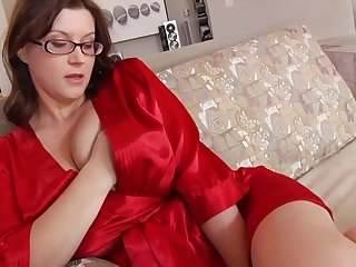 Ultra-Kinky housewife with phat mammories and glasses enjoys to have romp while her spouse is working